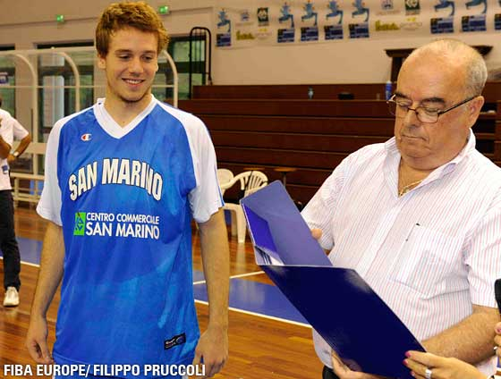 Julian Gualtieri (San Marino) receives Invitation for U18 All Star Game from John Goncalves (Vice-President of FIBA Europe)